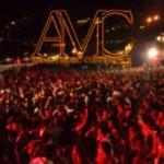 L'AMC è nato dall'idea di un gruppo di ragazzi già impegnati nell'organizzazione di eventi musicali in Costiera Amalfitana.