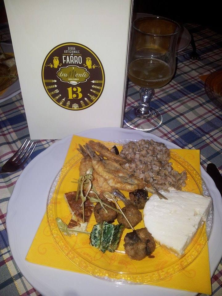 La nuova etichetta della  Birra 13 al farro Tramonti, con un delizioso accompagnamento!