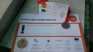 La medaglia d'argento e il diploma di Emanuele